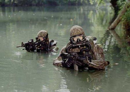 Доставка по воде коммандос SAS